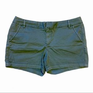 Caslon shorts women's size 16 army olive green